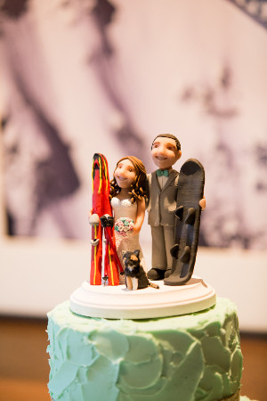 wedding_cake_ski_figureines.web