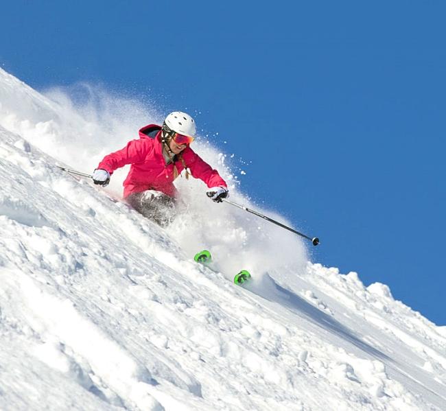 Spring powder skiing in Alta