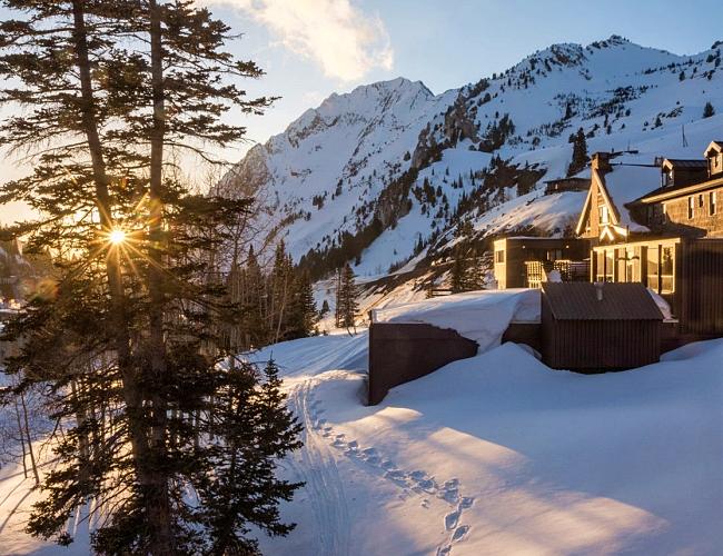 Alta Lodge spring alpen glow sunset