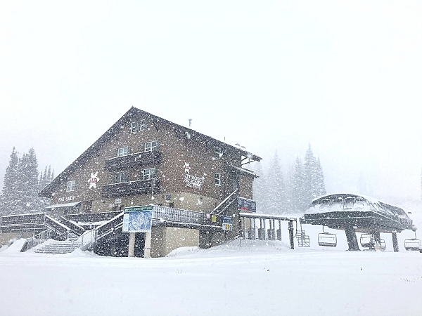 Snowing at Alta Ticket Office